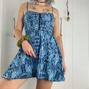 Trippy blue zipper dress